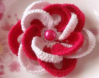 Larger Crochet Flower With Pearl in 4 inches YH-020-012