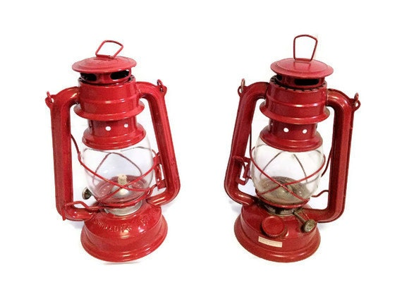 Pair of Red Vintage Antique Oil Lanterns Swallow Brand Unburnt Wick Free Dead Moth