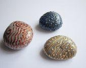Painted marine stones for home decor