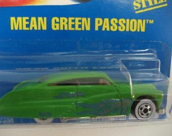 Mattel Hot Wheels Mean Green Passion