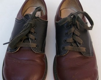 Childrens Vintage Foot Mate Oxblood and Black Leather Saddle Shoes Size 7 1/2D