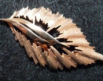 A Vintage Gold Leaf Brooch