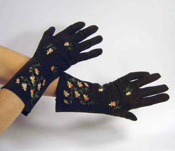 Vintage French Handmade Black Suede Gloves with Floral Embroidery - Size 7