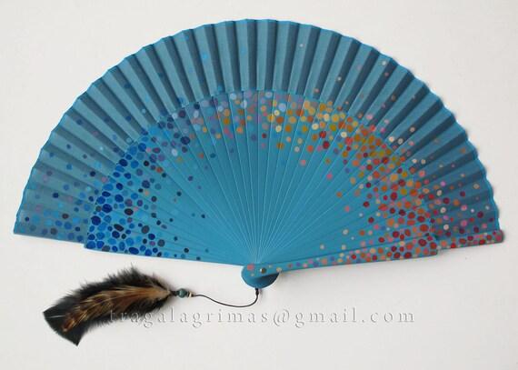 Abanico Tirititran. Hand painted spanish fan. Blue dots
