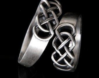 Celtic Wedding Band Set With Infinity Knot Design in 14K Gold, Made in Your Size CR-770
