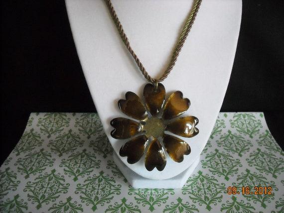 vintage brown  metal  flower necklace/pin     60