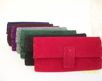 Handstitched leather tobacco pouch avaliable in seven colors
