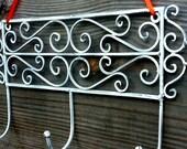 White Shabby Chic Iron Wall Hooks, Vintage Style Distressed Metal Coat Hook Rack, Jewelry, Decor