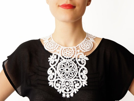 Kininia //  Handmade White Crochet Cotton Lace Collar Necklace Applique Blouse Accessories