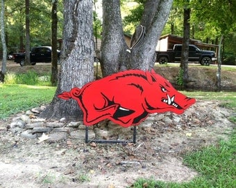 Steel Razorback Yard Decoration