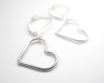 Silver earrings with hearts