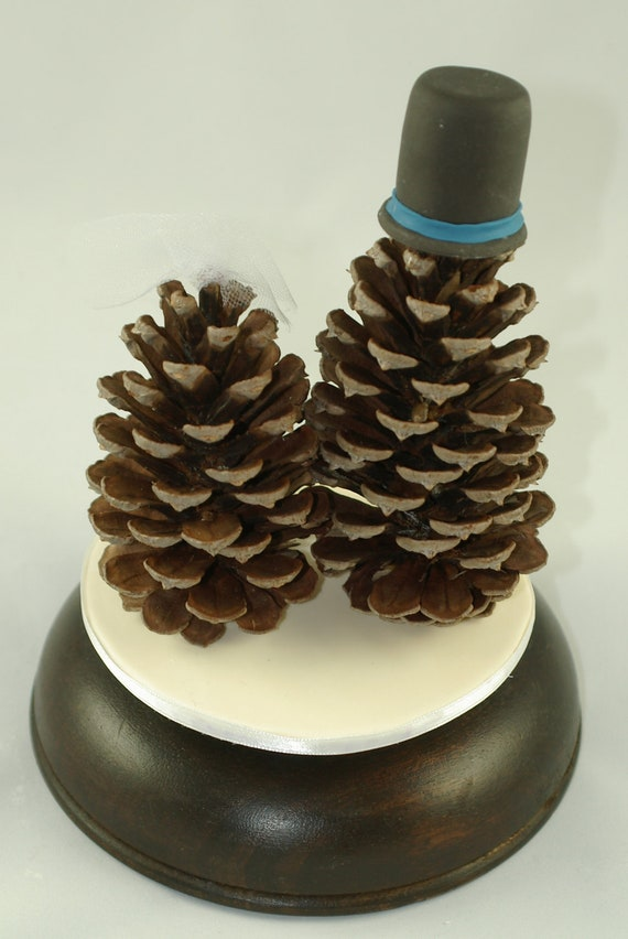 Items similar to Pine Cone Bride and Groom Wedding Cake Toppers with ...