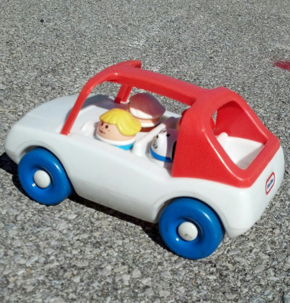 Vintage little tikes car with people and dog by bellenarrow for Little tikes 2 in 1 buildin to learn motor workshop