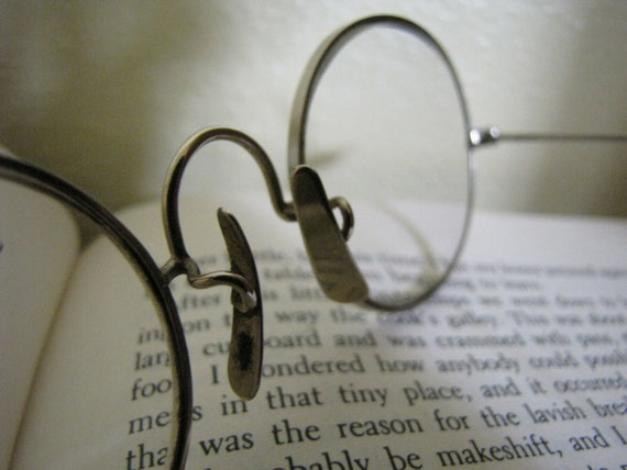 Wire rim vintage eye glasses