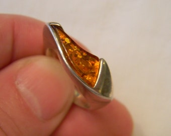 Very Modern Twist Old Fashion 925 Band Sterling Silver Vintage Amber Setting Ring Size 8 #61