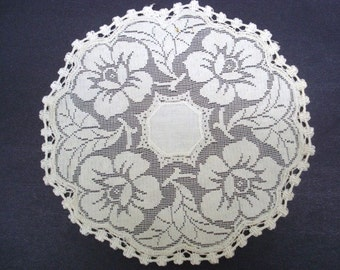 Fantastic Antique Filet Lace  Doily Roses Linen Center Perfect Gift