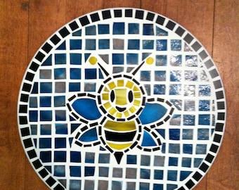 Bumble bee circular mosaic.