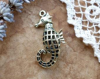 1x Filigree Seahorse Pendant, Antique Brass Pendant C359