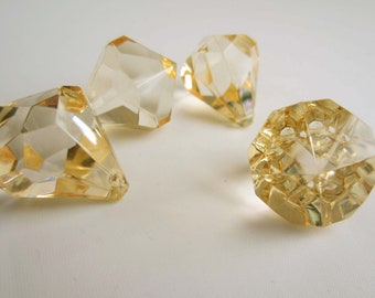 4 Acrylic Crystal Gem Pendant Beads  - Cream - Medium 26mm