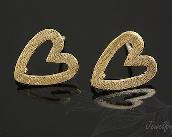 H352- 10 pairs - Gold plated- Heart post earring
