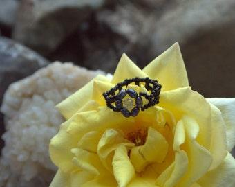 Black Pearl Flower Ring