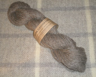 Light Aran Organic, undyed knitting yarn (silver)