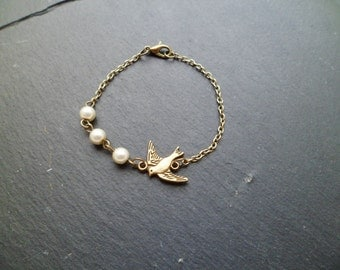 "Bracelet ""bird and Pearl"""