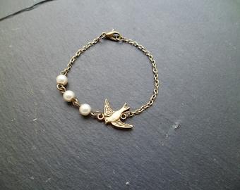 "Bracelet ""bird and Pearl"""
