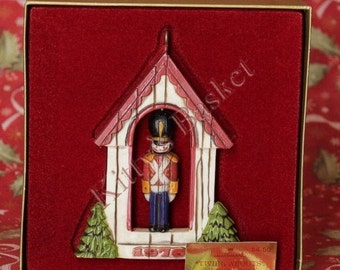 Hallmark Ornament 1976 Soldier Twirl-About with box