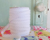White Crochet Edge Double Fold Bias Tape (No. 41)