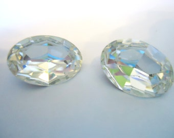 Vintage Glass Oval Clear Diamond colour Foiled Rhinestone glass crystal jewels 18mm x 13mm-2 pieces.