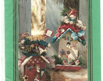 Home For The Season 11 inch Birdhouse Doll Tole Paint Fabric Wood Yarn Collectibles Wood Products