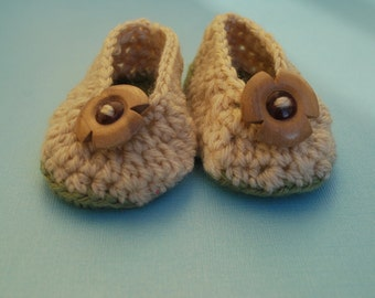 Tan Baby Booties - Crochet Khaki Baby Booties with Wooden Buttons - Baby Gift - Newborn Gift- You Choose the size