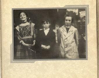 Deco children black white 30s 40s joyful smiths trifold mat