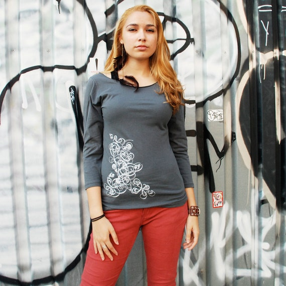 SALE - S - Graphic tee for women, womans tops tshirts, silkscreen womens t-shirt, womens tees, tops & tees, gray 3/4 sleeve deco design