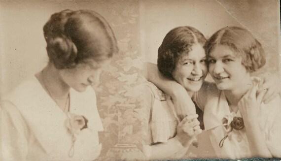 vintage photo Margarethe Meyers 17 yrs old gem miniature photo strip 1913 photo booth type