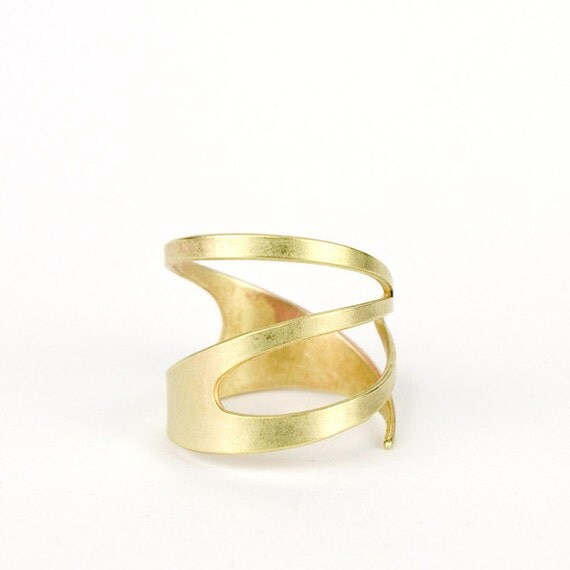 Gold tone brass ring // adjustable ring