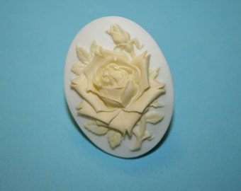 Large Pale Yellow Rose Cameo Ring