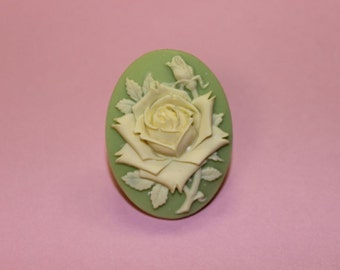 Large Green & Ivory Rose Cameo Ring