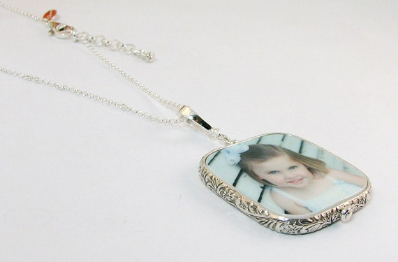 Sterling Silver Framed Photo Pendant Necklace - Large with Rounded Corners - FP1FRfN