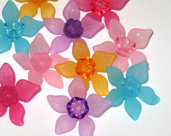 20 Lucite Acrylic Flower Beads - Bright Mix Daffodil - 27mm