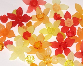 20 Acrylic Flower Beads Frosted Daffodil Flower Beads -  Heatwave Frost- 27mm