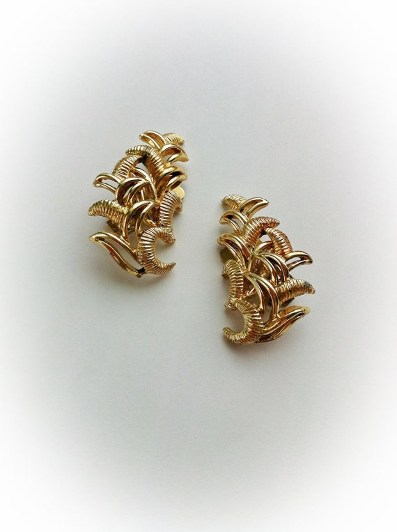 Vintage Coro Crescent  Cluster Earrings Clip On