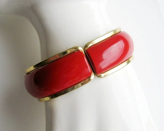 Vintage lipstick Red enamel  Bracelet 1980s metal clamper