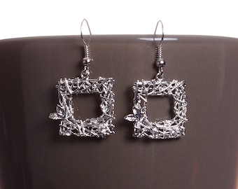 Silver plated square and leaf filigree drop dangle earrings (581) - Flat rate shipping