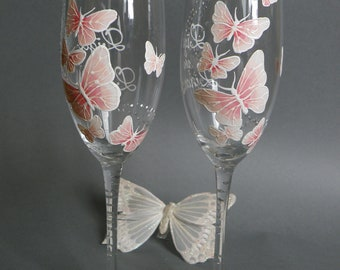 Hand painted Wedding Toasting Flutes Set of 2 Personalized Champagne glasses White and pink Butterflies love flight