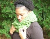 Etsy Gifts, Wool Infinity Scarf, Crochet Cowl, Crochet Mobius Cowl Scarf, Chunky Scarf, Mobius Scarf, Teen Wool Chunky Cowl