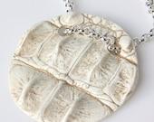 Croc Medallion - Ivory/Silver by triian