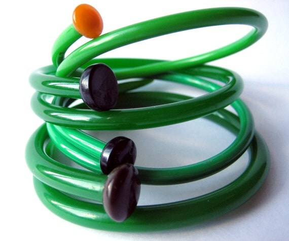 Vintage Knitting Needle Bracelets Green as Grass MEDIUM