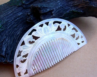 Vintage hair comb Indonesia Bali mother of pearl hand carved hair accessory hair slide vanity comb purse comb